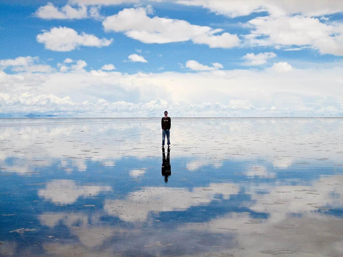 ウユニ湖天空の鏡