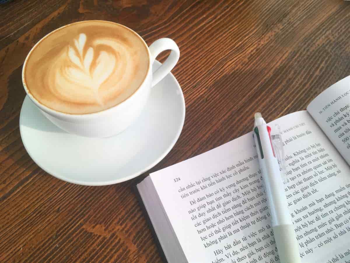 カフェで勉強して集中を