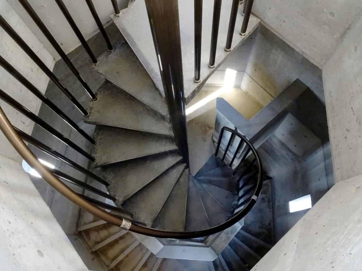螺旋階段のスパイラル