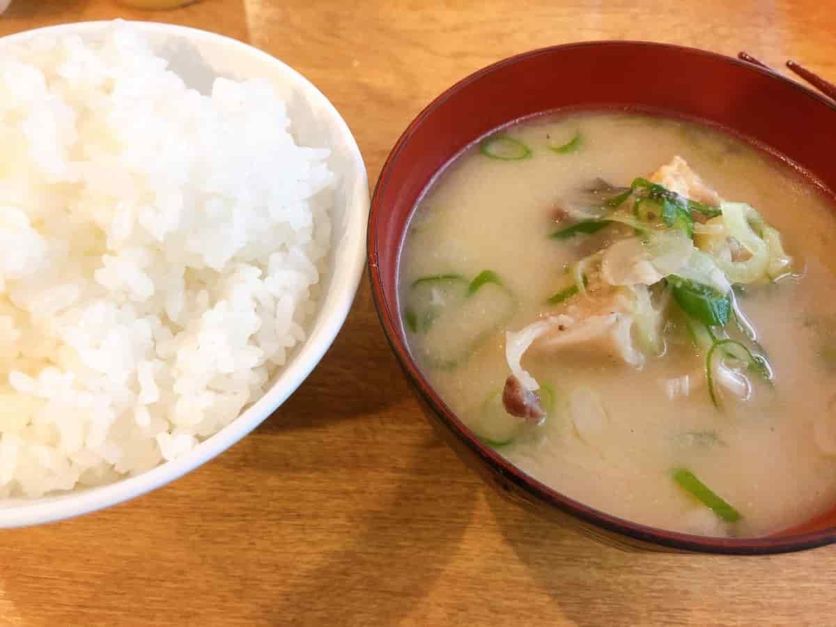 鯉の味噌汁とご飯